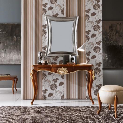 Konzolový stolek se stříbrným zrcadlem
