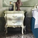 Noční stolek stříbrno-zlatý