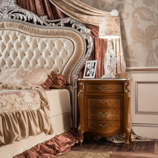 Luxusní noční stolek s kořenicí