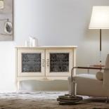 Elegantní bílá komoda