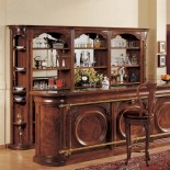 Masivní dřevěný bar s mramorovou deskou