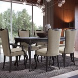 Obdélníkový jídelní stůl