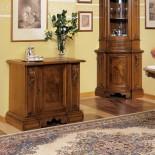 Masivní dřevěná komoda Luigi XV.
