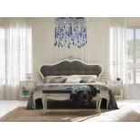 Bílá čalouněná postel Venere