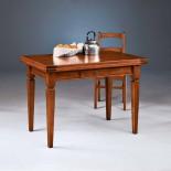 Dřevěný jídelní stůl rozkládací